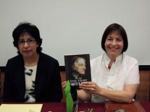 Dra. Rosario Athié en la presentación de la biografía de Ian Ker