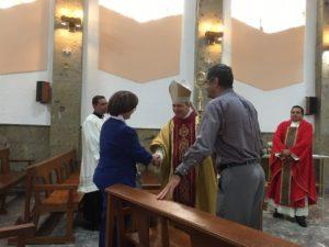 El Mons.  Jorge Alberto Cavazos Arispe, el Prof. Elio Amador Macias y  Prefecto de Estudios el P. José Andrés Gómez Guerrero.